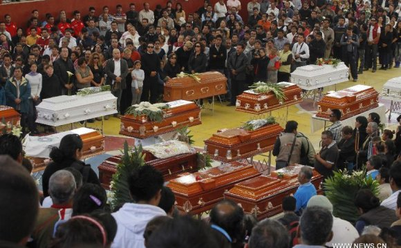 Mass funeral held for victims